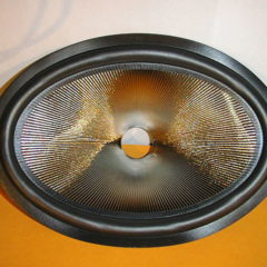 228 mm x 153 mm Speaker cone               MR 29